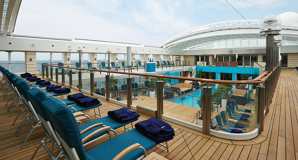 43 S Pooldeck open HLKF MS EUROPA 2 Pooldeck 9046 - Golf &  Cruise = Kreuzfahrt  + Golfvergnügen