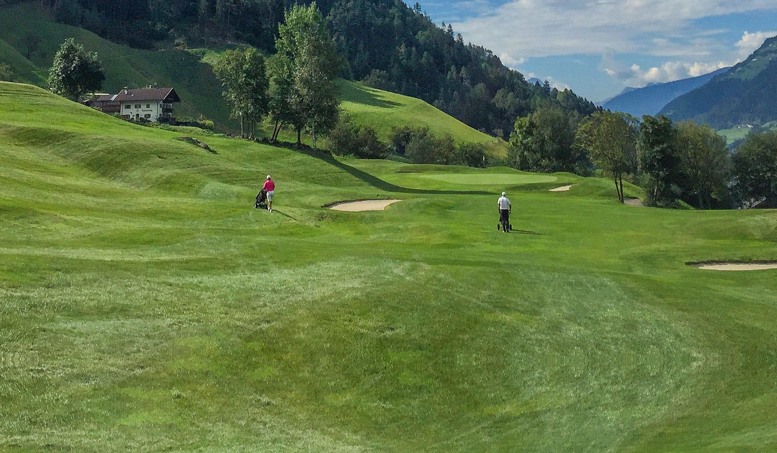 932 Kopie - Golfplatz mit Ausblick - der Golf Club Passeier.Meran