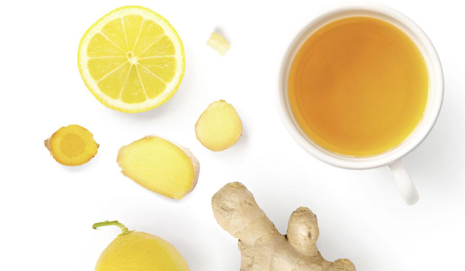 Ingwer, Zitrone und Tee von oben