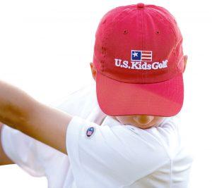 Kind mit U.S. Kids Golf Cap