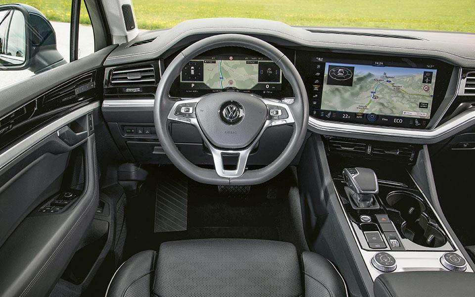 Touareg Innenansicht aus Fahrerperspektive.
