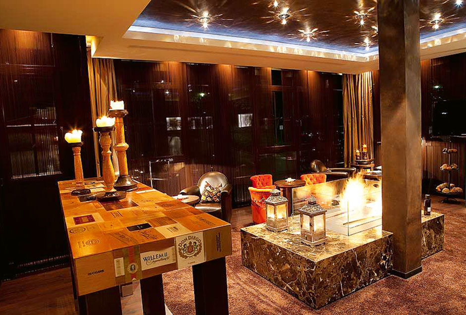 Die elegante Smokers Lounge im Land und Golf Hotel Stromberg
