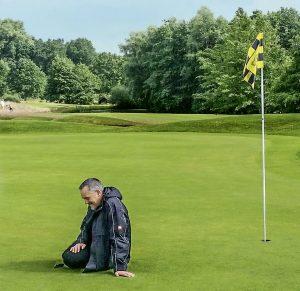 Sebastian Schultz auf Golfplatz