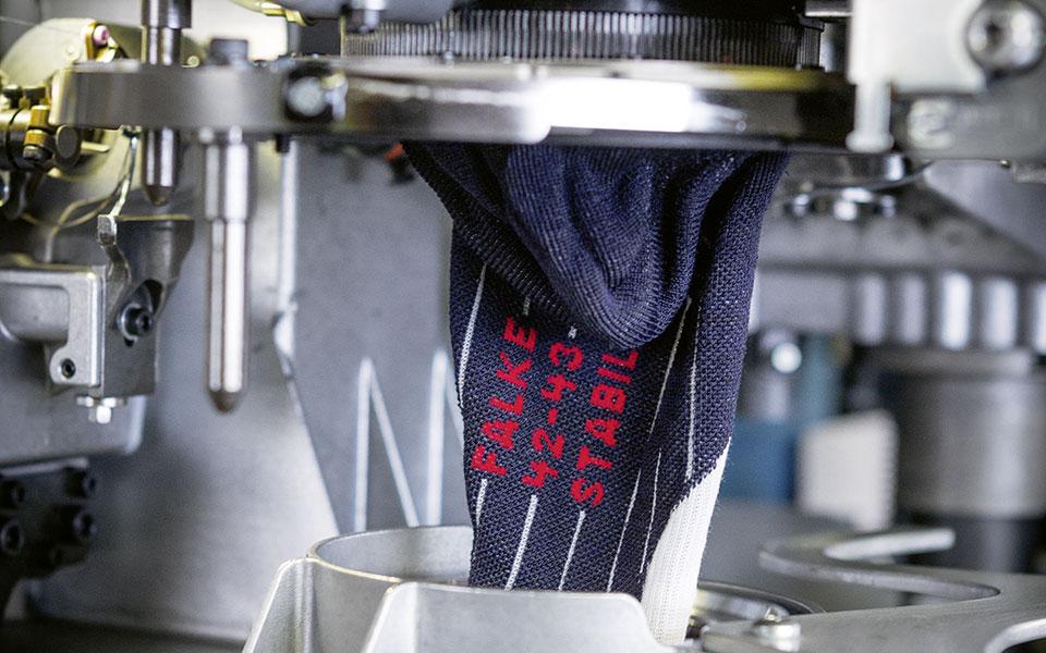Produktion Falke Socken