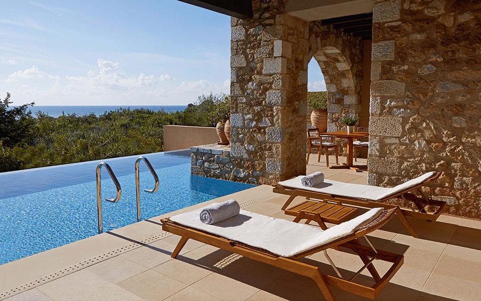 Costa Navarino Luxus-Apartments Pool