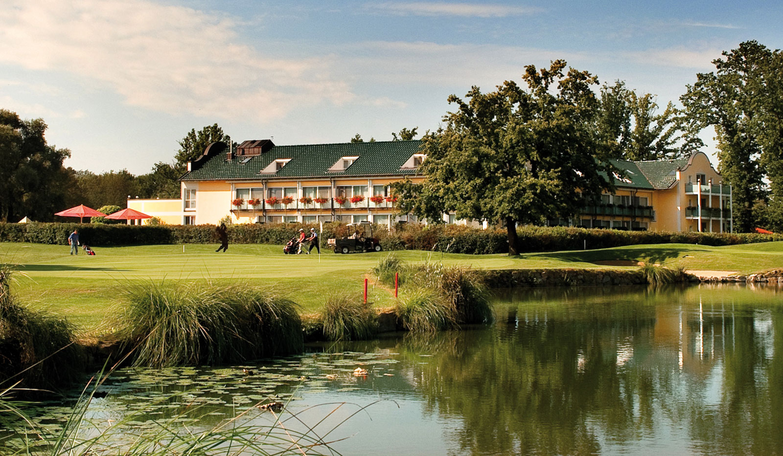 Clubhaus und Golfplatz Quellness Resort Bad Griesbach
