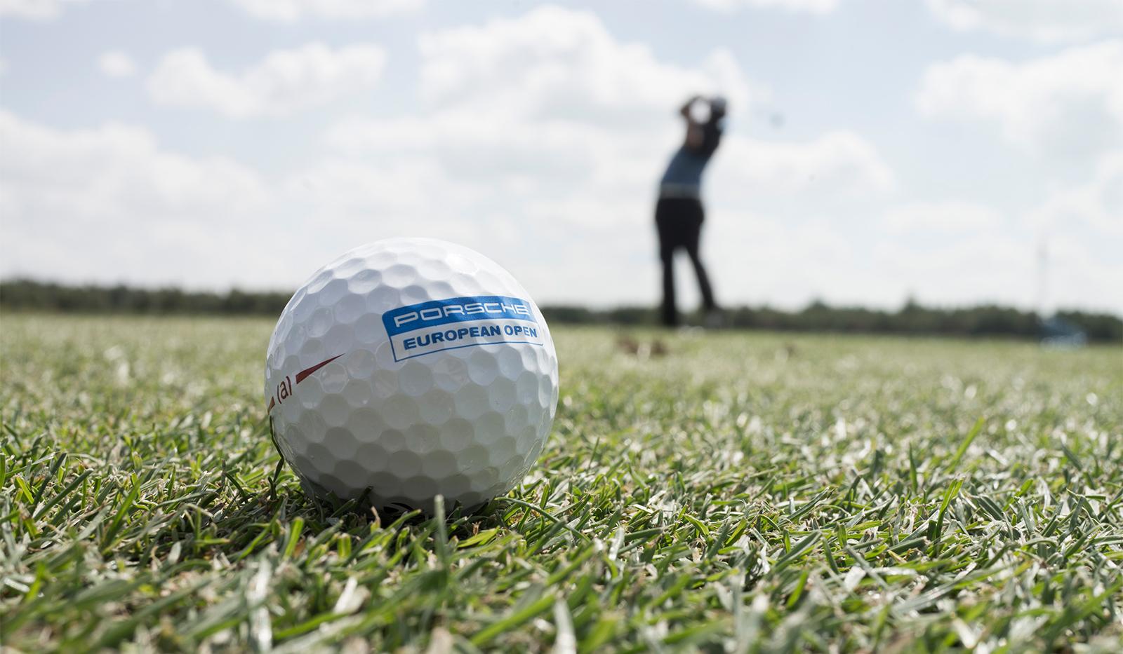golfball rasen golfer