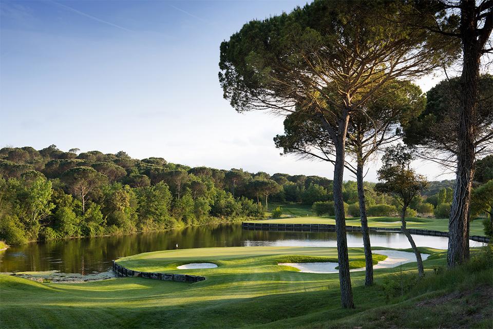 Stadium Course Hole 11 Tree - Pro-Am im PGA Catalunya Resort: European Tour Destinations Senior Classics