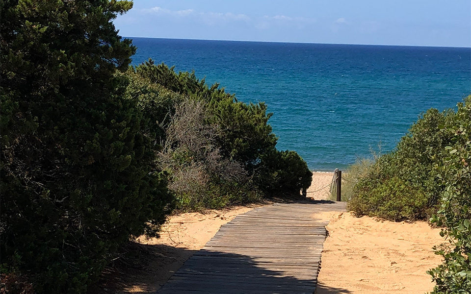 Strandweg - Costa Navarino: Golfreise ins Paradies am Meer