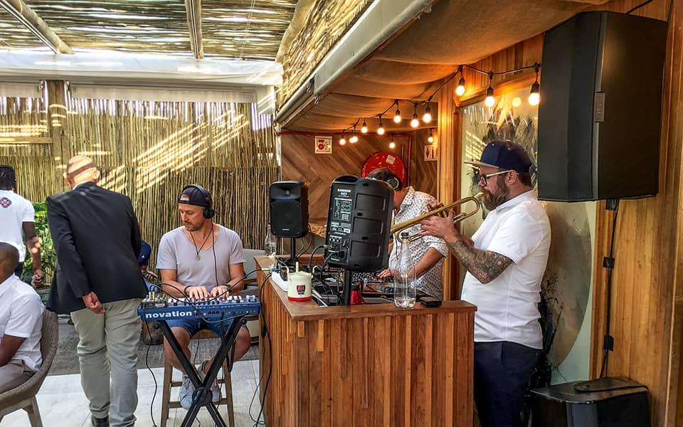CHinchilla Bar live Musik