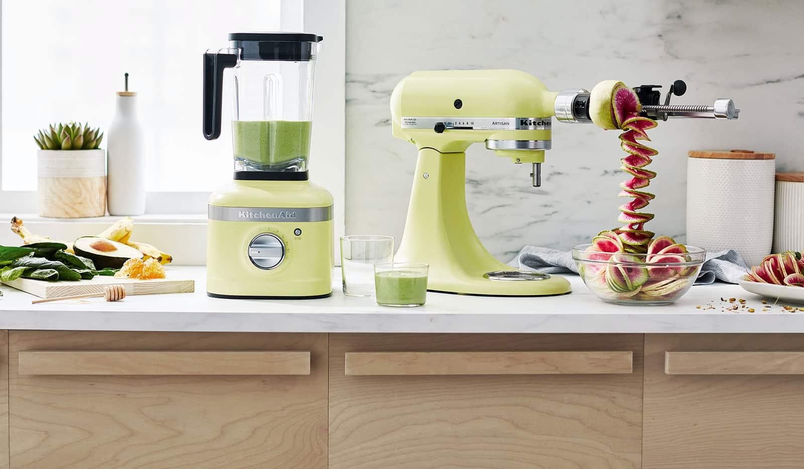 KitchenAid Standmixer und Küchenmaschine in Küche
