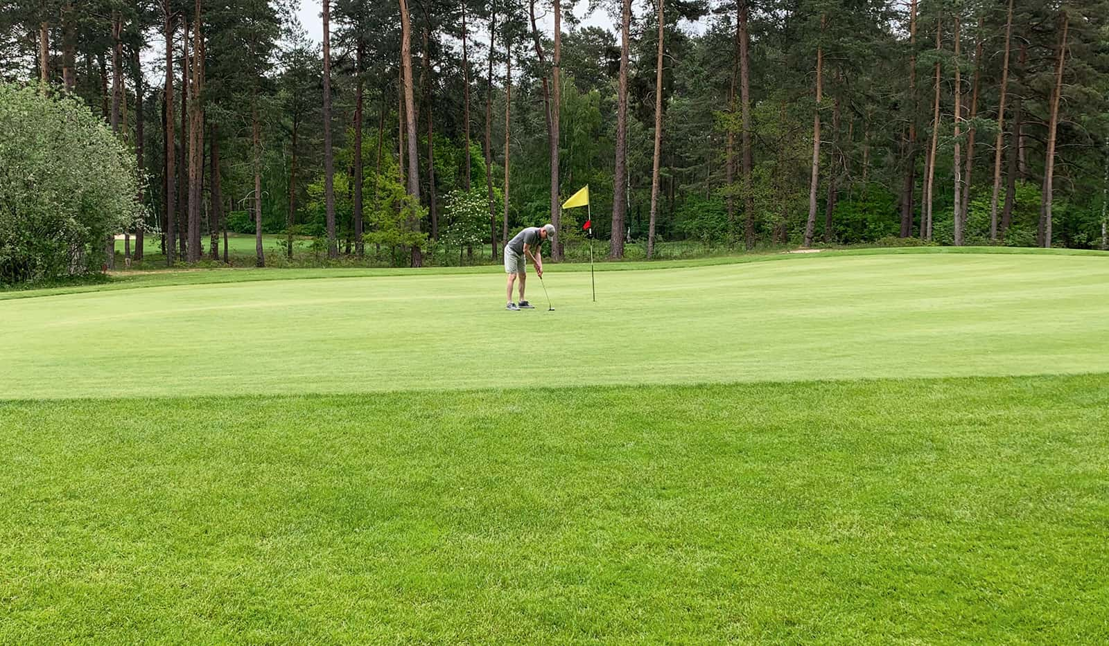 Hinnerk Baumgarten auf dem Golfplatz
