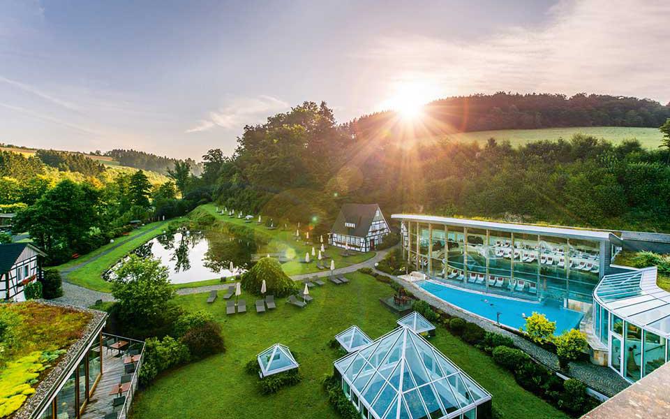 Hotel Deimann Garten 01 - Golfurlaub im Sauerland