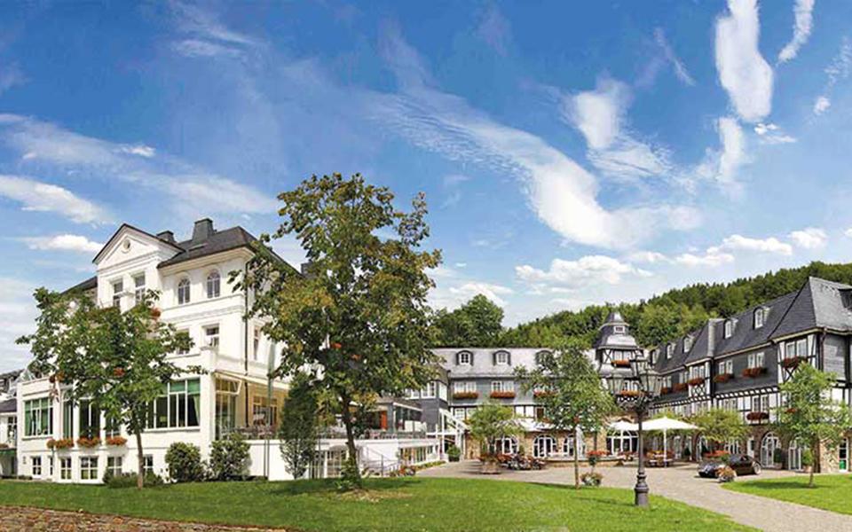 Hotel Deimann Panorama 01 - Golfurlaub im Sauerland