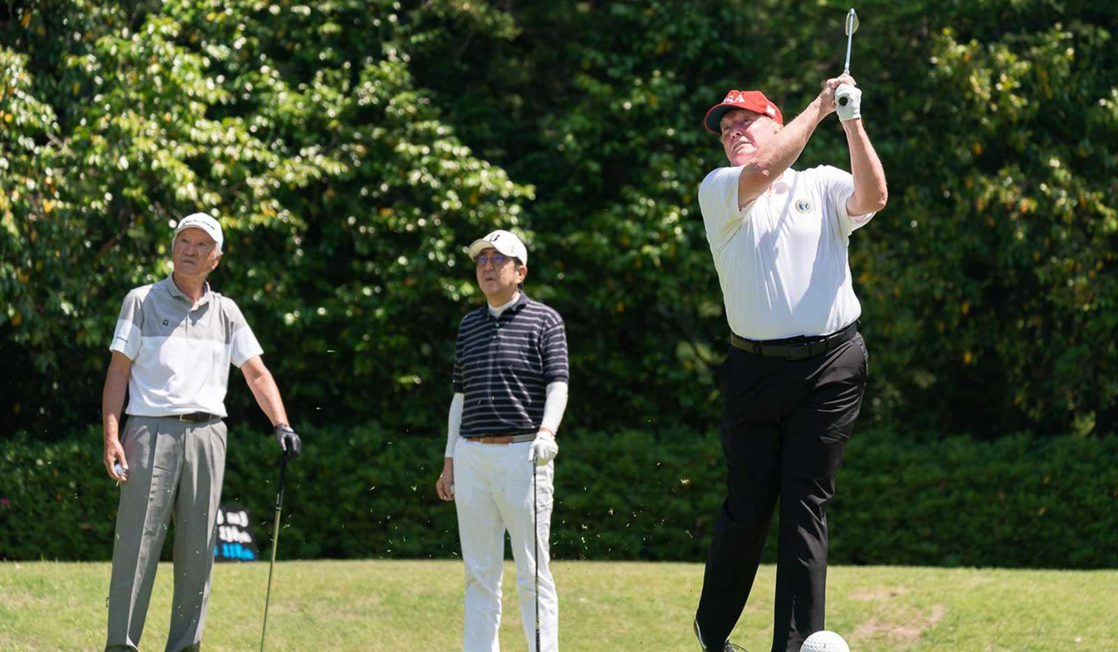 Trump beim Golf spielen