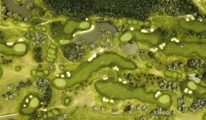 golfplatz 300x175 - golfplatz