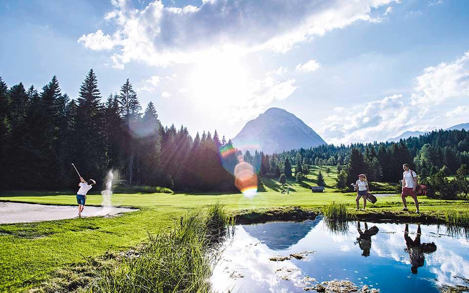 Golf mit Blick auf die Hohe Munde - Golfreise in das Natur & Spa Hotel Lärchenhof – Gewinnspiel