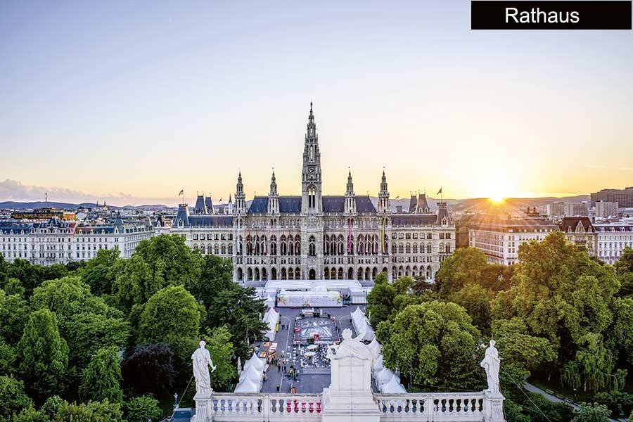 9 Wiener Rathaus 40625 - Golf City Guide Wien
