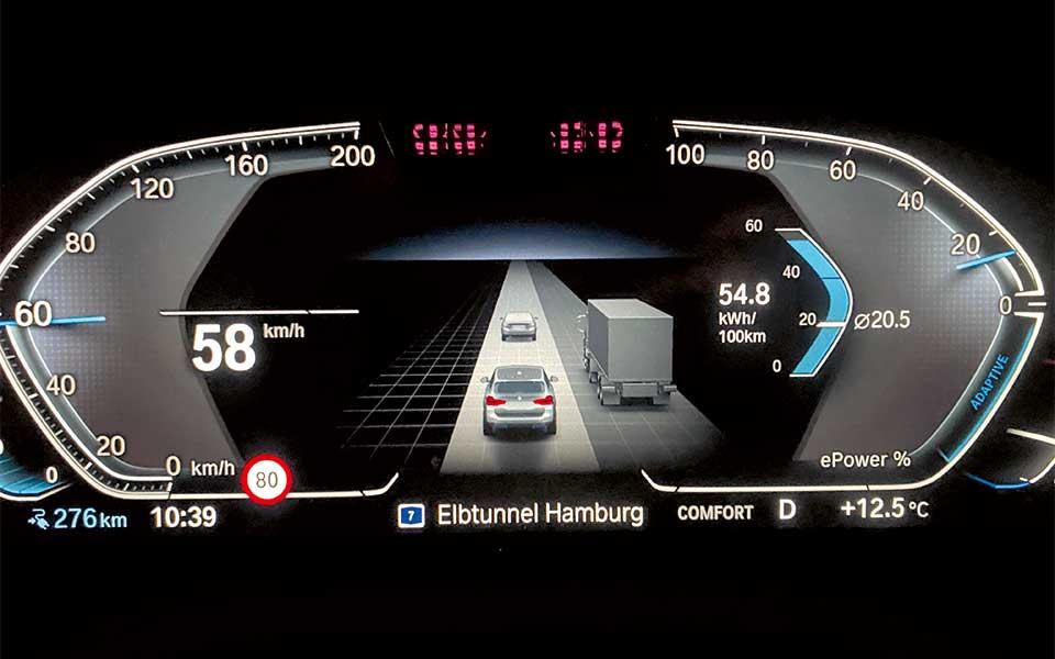 bmw i cockpit2 - BMW iX3 – Lass Dich elektrifizieren