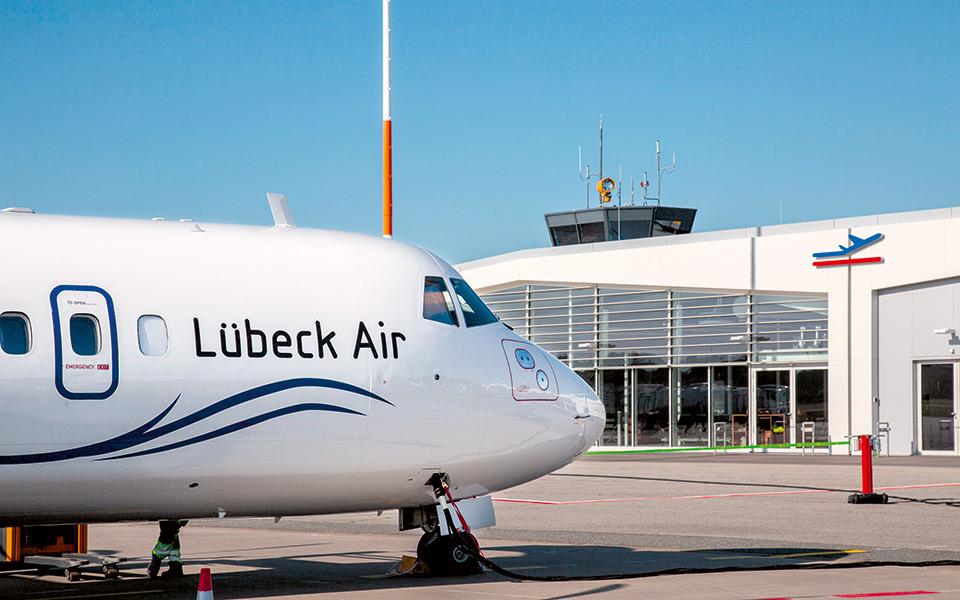 luebeck air flugzeug - Neue Nord-Süd-Verbindung  mit Lübeck Air – Mozartkugel meets Niederegger Marzipan