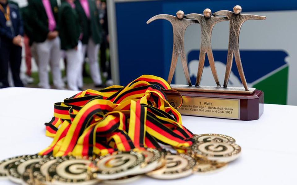 Medaillen byTiess - Deutsche Golf Liga 2021 – GC Hubbelrath wird Mannschaftsmeister der Herren